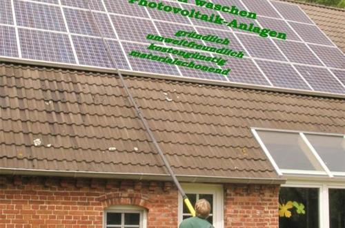 Reinigung von Photovoltaik-Anlagen
